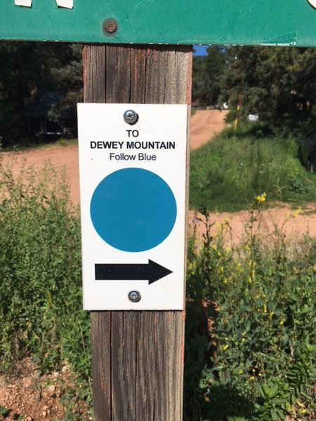 Signage for the Dewey Mountain Trail.