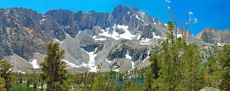 Matlock Lake in the center below University Peak. Bench Lake is over the rise on the extreme right, below the main Sierra crest