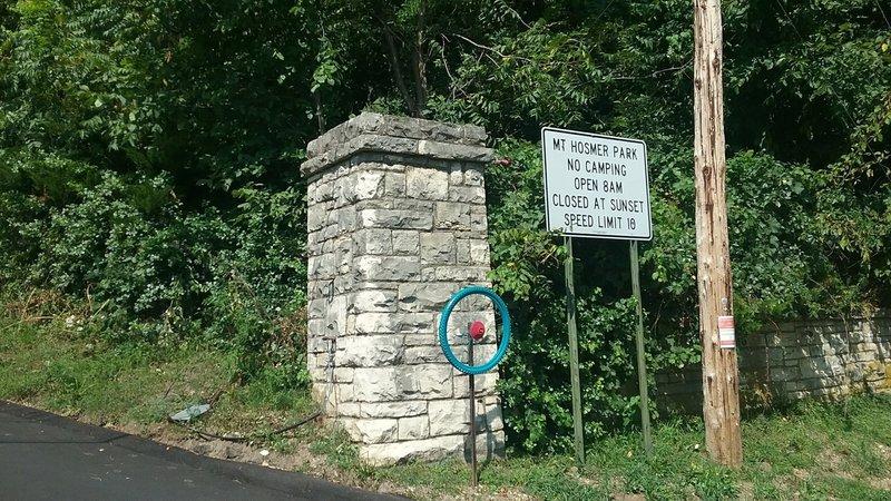 The entrance to Mount Hosmer Park.