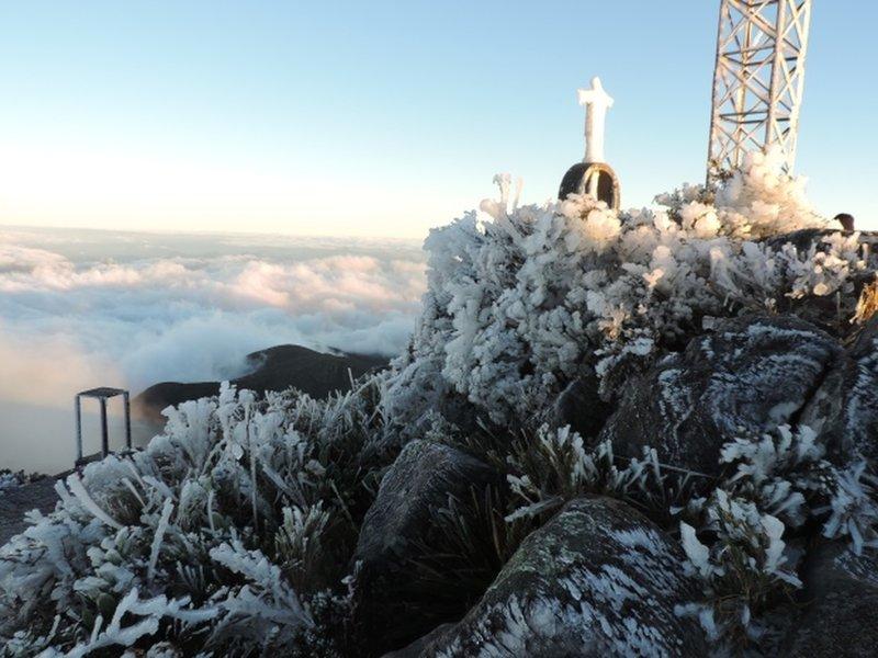 Ice on the summit of Pico da Bandeira.
