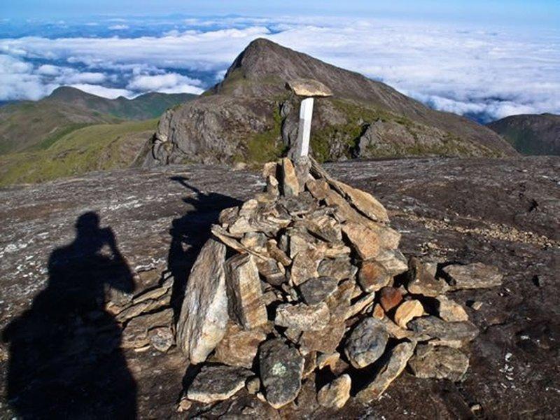 Crystal Peak from Calçado Peak summit.