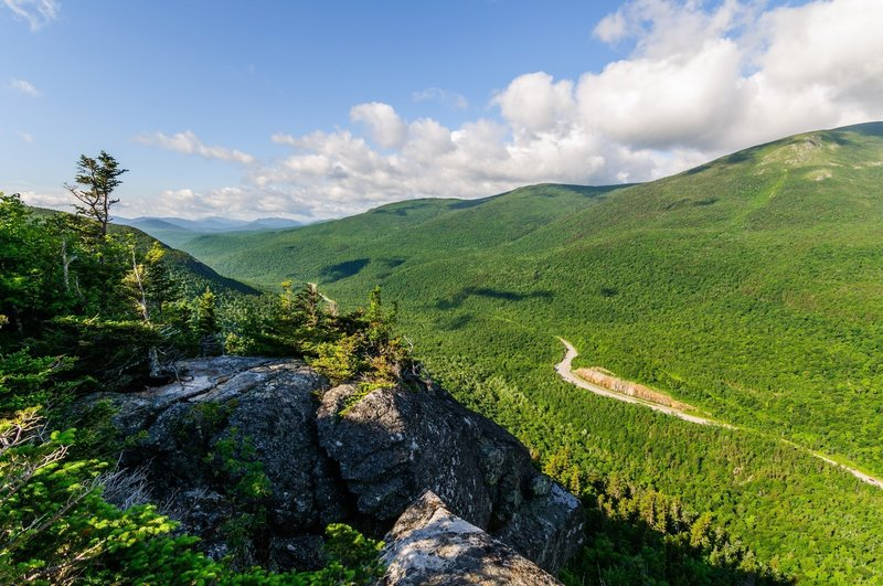 Looking south down the Crawford Notch from the first viewpoint.