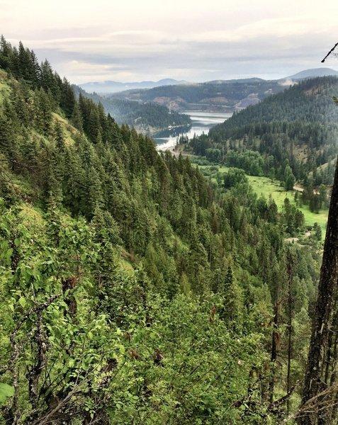 Beauty Bay, Lake Coeur d' Alene from Caribou Ridge Trail