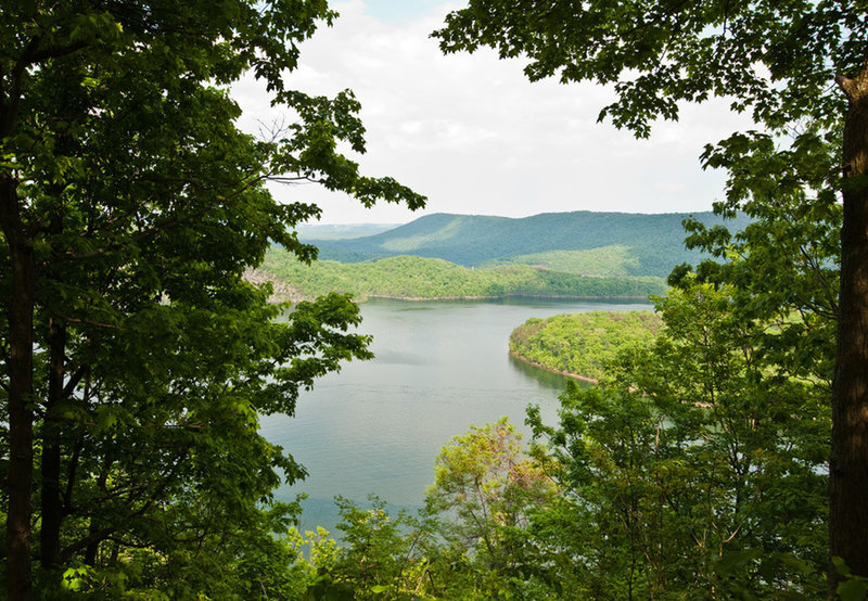 Raystown Lake Overlook - intersection of Ridge, Berry Patch and Ray's Revenge