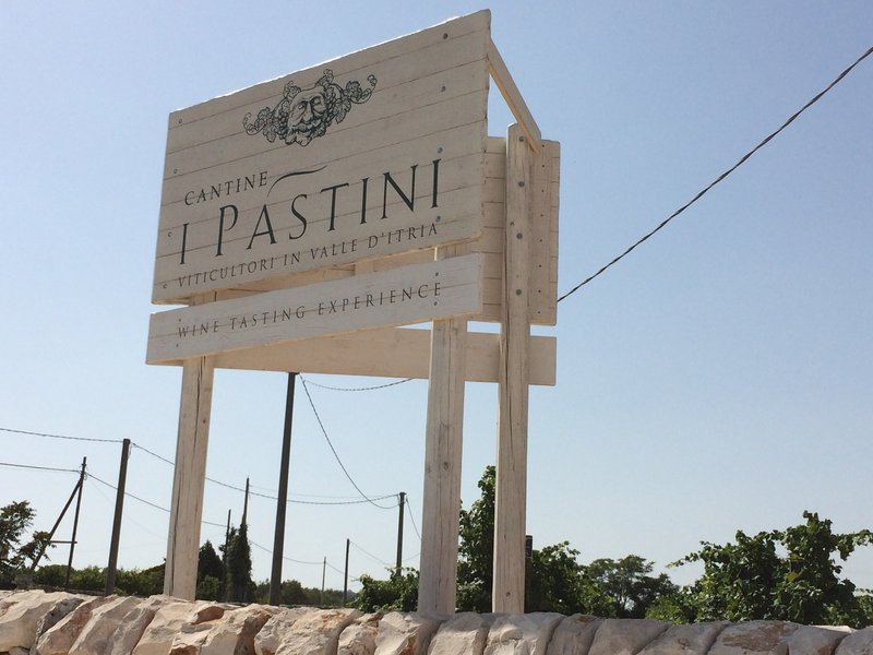 I Pistini Winery is on the route.  If you time it correctly, can stop for a wine tasting (reservations required - http://www.ipastini.it).  They do have local typical appertivi for purchase.