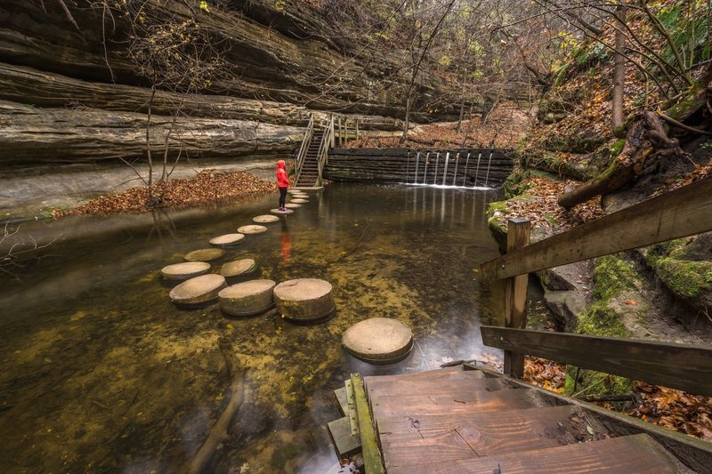 Matthiessen State Park Loop Hiking Trail, Deer Park, Illinois