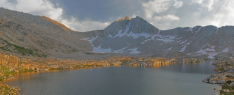 Claw Lake above Vee Lake. Tooth and Gruff lakes are slightly higher and easy to reach, but even more barren.