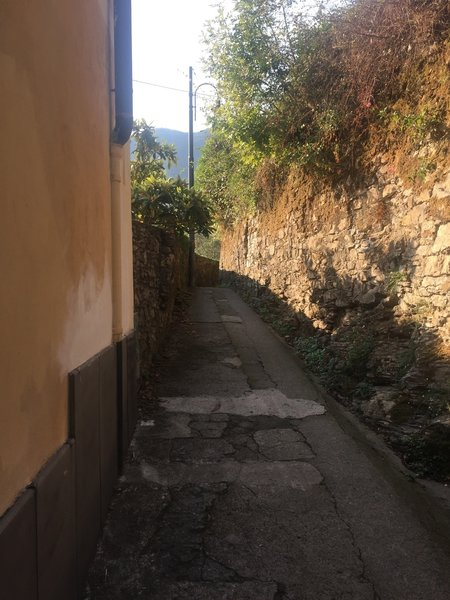 The start of the trail near Camogli is paved and walled.