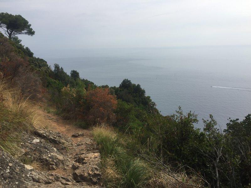Continuing the high traverse towards Portofino
