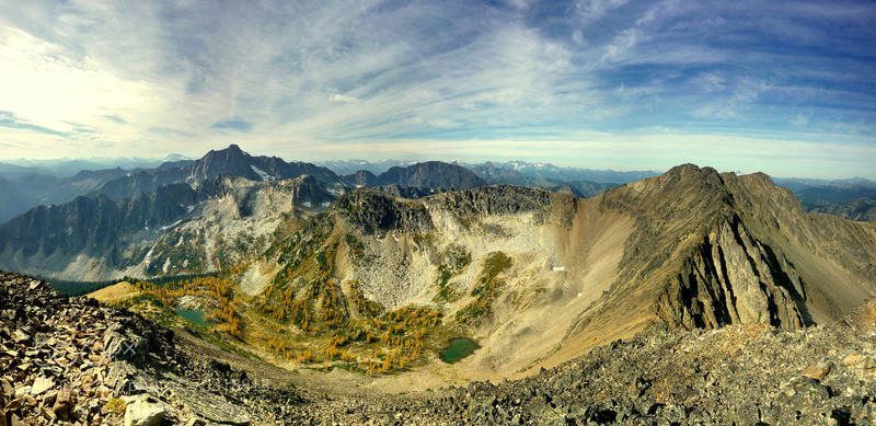 Frosty Mountain Panorama: Fresh autumn winds blow across a mountain landscape,