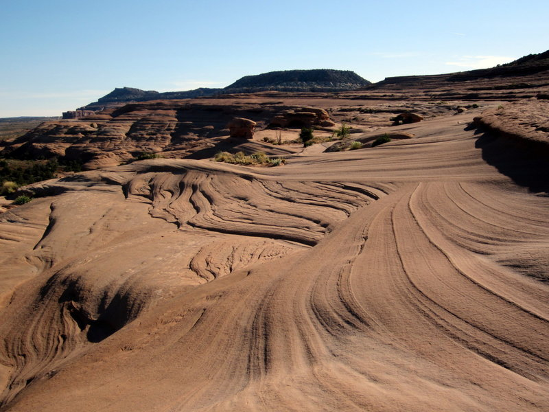 Following the slope out to the point. Cross-bedding in the sandstone creates some nice contours and shifts in traction.