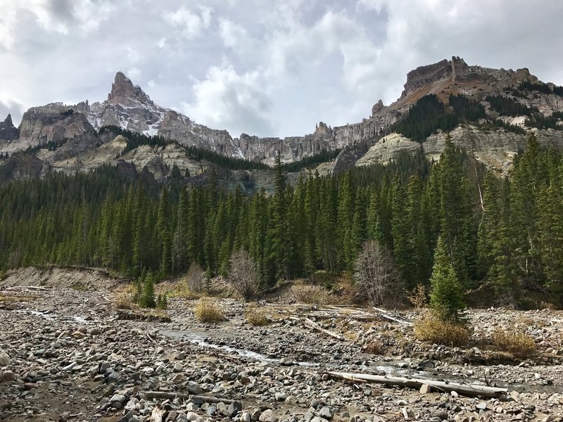 Precipice Peak and Mt. Dunsinane tower over the Middle Fork Valley and are easily viewed along the trail.