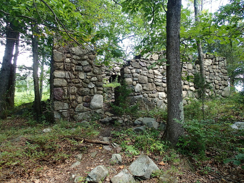 Ruins along the trail.