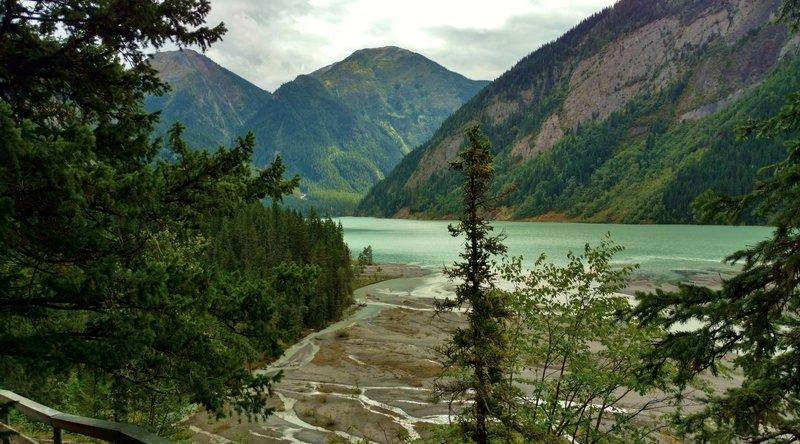 Kinney Lake and the Kinney Lake Flats are below Berg Lake Trail at the Kinney Lake inlet
