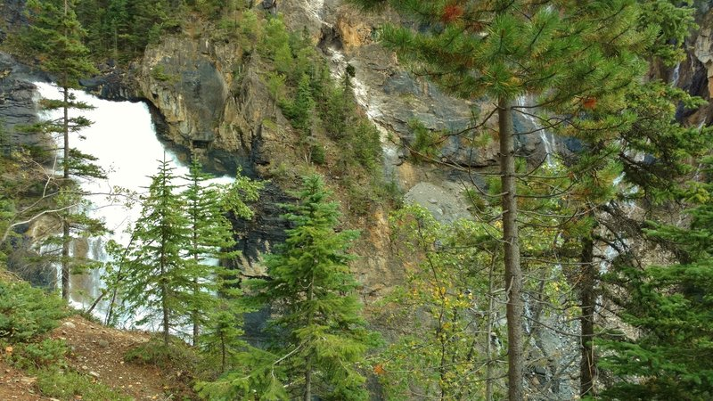White Falls and other small falls in the Valley of a Thousand Falls.