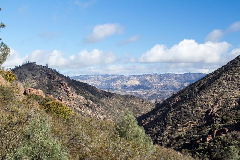 Sierra Nevada through a valley on Chalone Peak Trail.