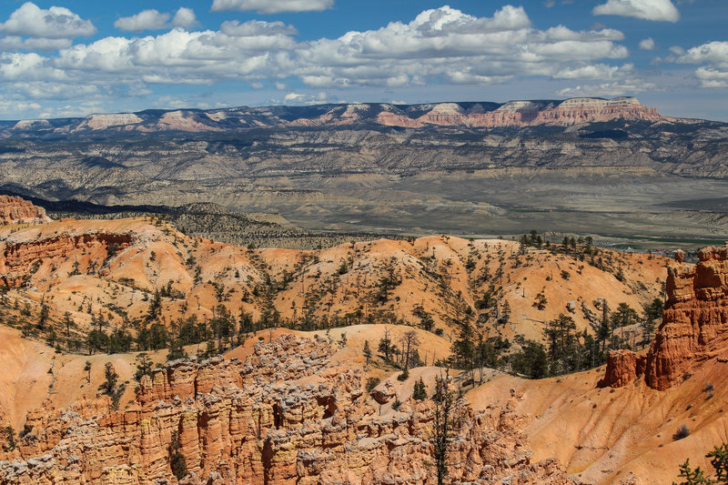 Far reaching views towards Barney Top from Bryce Point