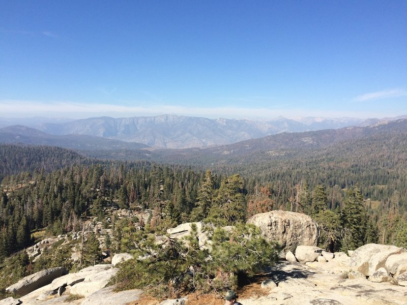 Kings Canyon in the distance