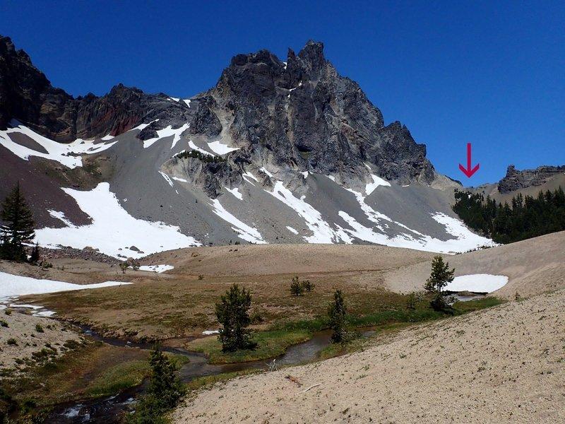 Cottonwood Creek Springs below Mt. Thielsen (arrow shows where you cross the ridge).
