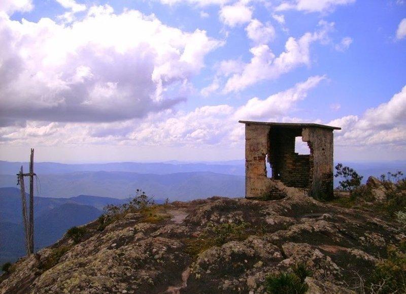 The Carapuça Peak summit.