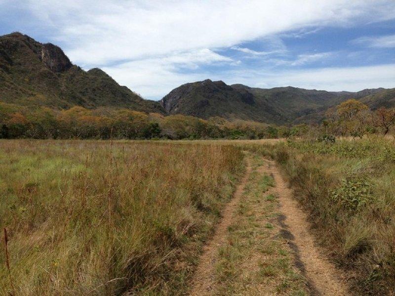 The trail to Bandeirinha Canyon