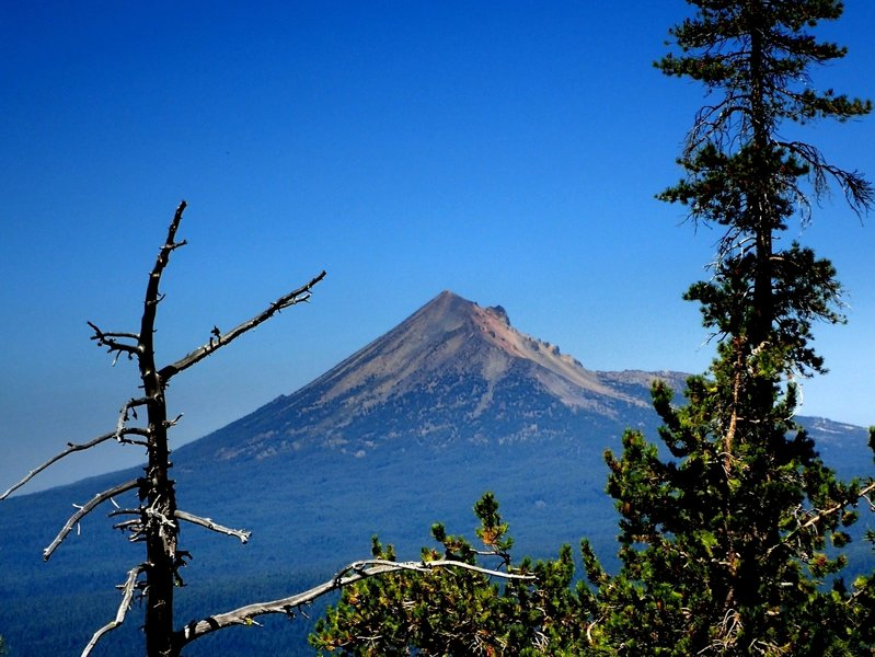 Mount McLoughlin from the end of the Mountain Lakes Trail #3721