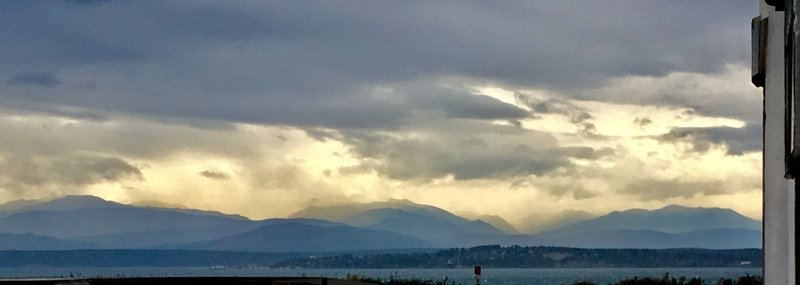 An absolutely stunning sight, as a storm clears/brakes over the Olympic Peninsula.