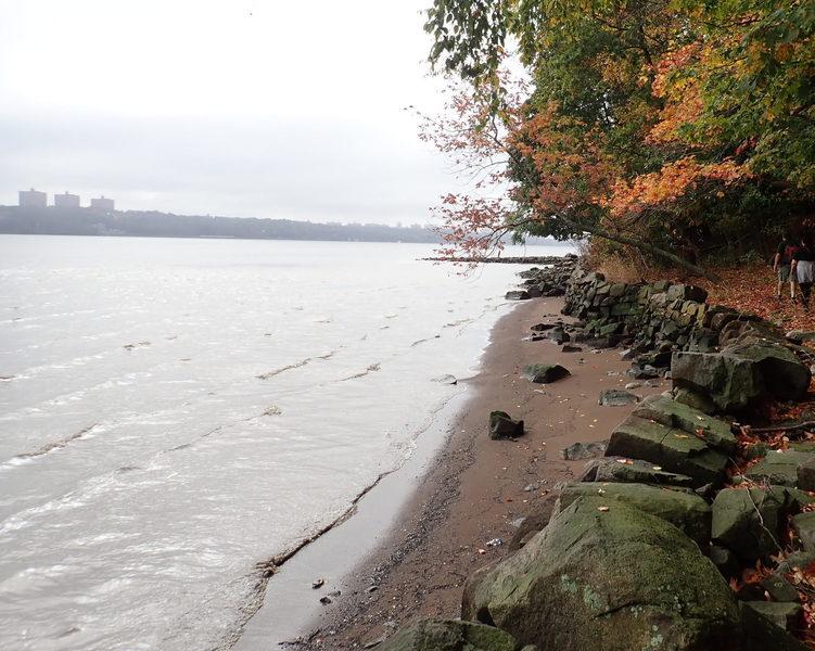 Beach on Shore Trail (looking south towards Manhattan)