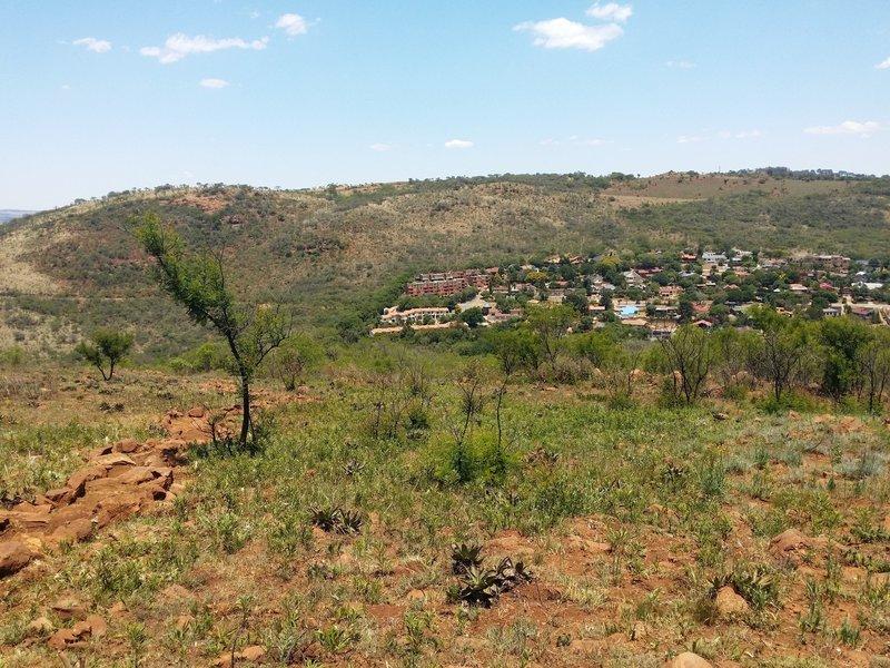 A view from the Serepodi Trail summit.