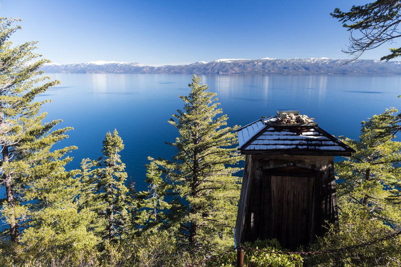 Rubicon Point Lighthouse in front of Lake Tahoe