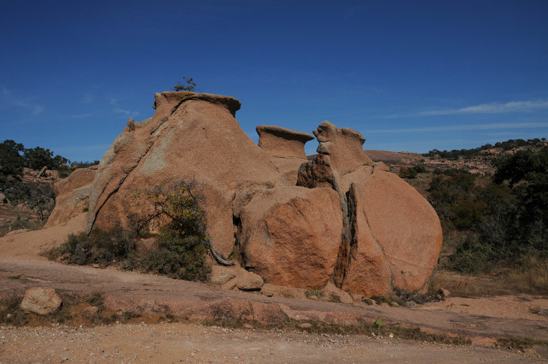 Cool rock formations along the southern part of Loop Trail