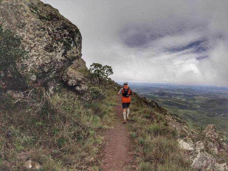 Running on the crest of Piedade mountain