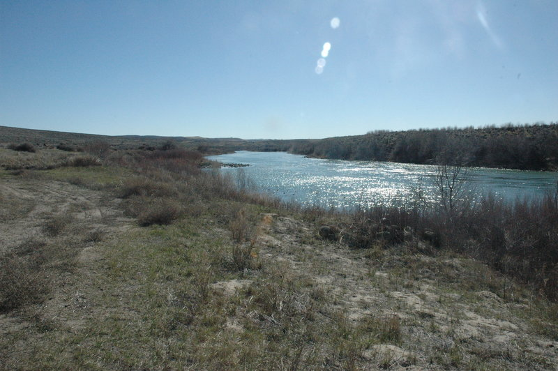 Looking south along the Snake River from the trailhead