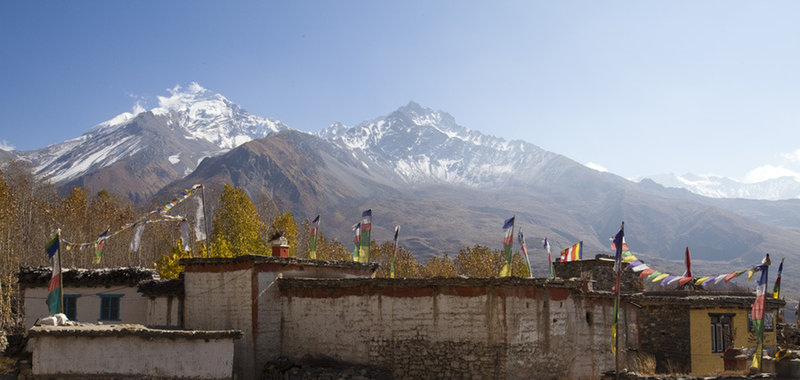 A brief stop in the village of Jhong before the descent continues on the Muktinath - Kagbeni.