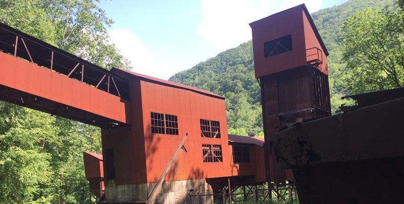 Nuttallburg coal chute.