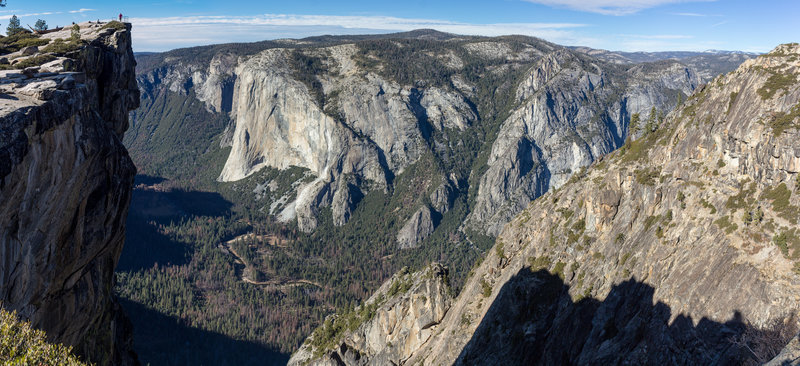 Taft Point on the left with El Capitan across Yosemite Valley