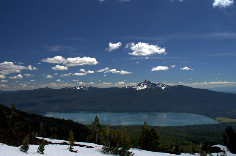 Mount Thielsen and Diamond Lake from high on Mount Bailey