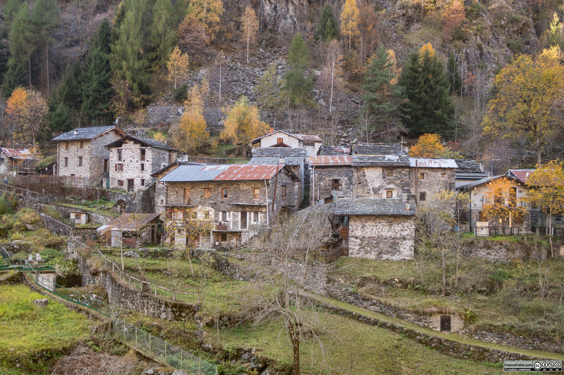 The old village of Vedello, the starting point