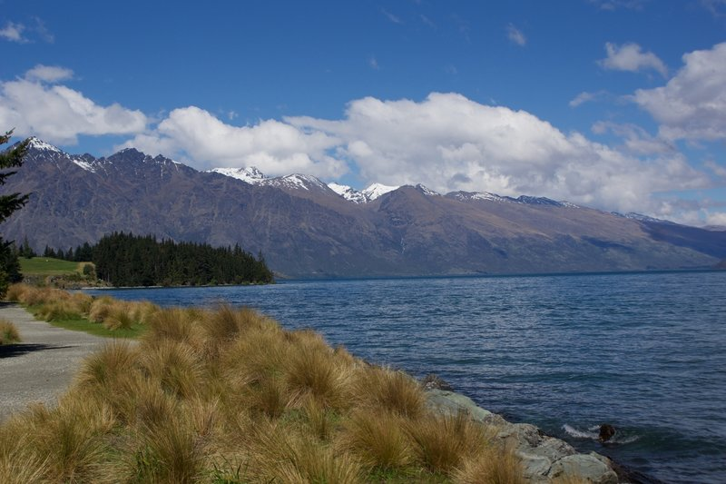 Trail along Lake Wakatipu