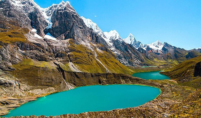 3 lakes of different colours - Huayhuash
