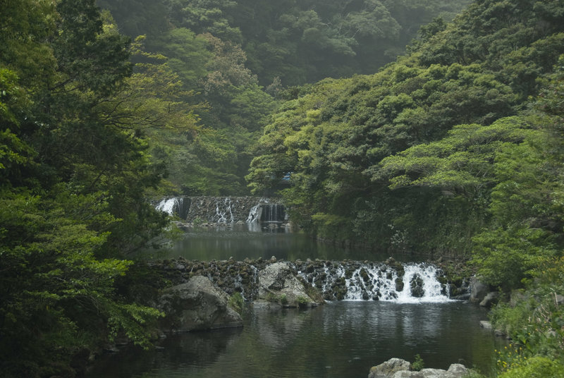 Although the highlight is Cheonjiyeon Waterfall, the river leading up to it is also beautiful