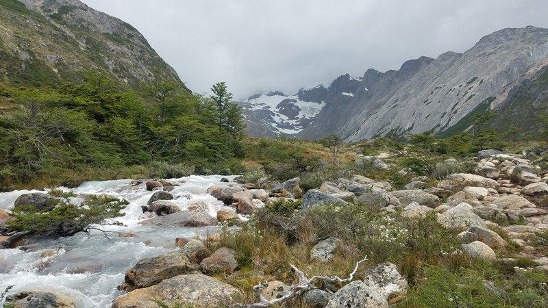 Turqiouse Creek on the way toward the Laguna Esmeralda.