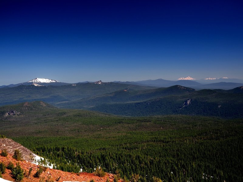 Diamond Peak (L), Mount Yoran (center), and the Three Sisters (R) from Tipsoo Peak