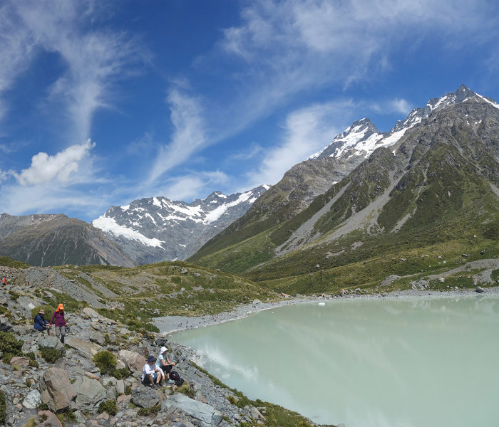 Hooker Lake, end of the Hooker Valley Track