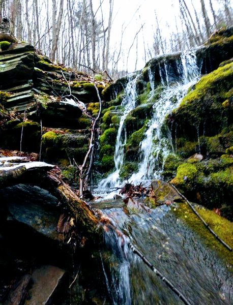 One of many smaller water falls / natural springs.