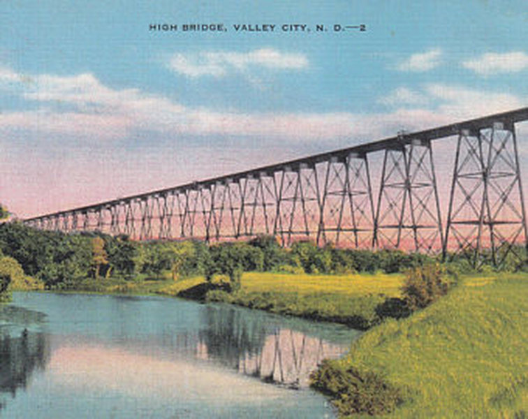 A vintage postcard showing the Hi-line bridge in Valley City