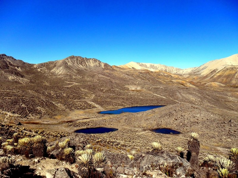 Near the highest point of the route, you can see this three unnamed lakes