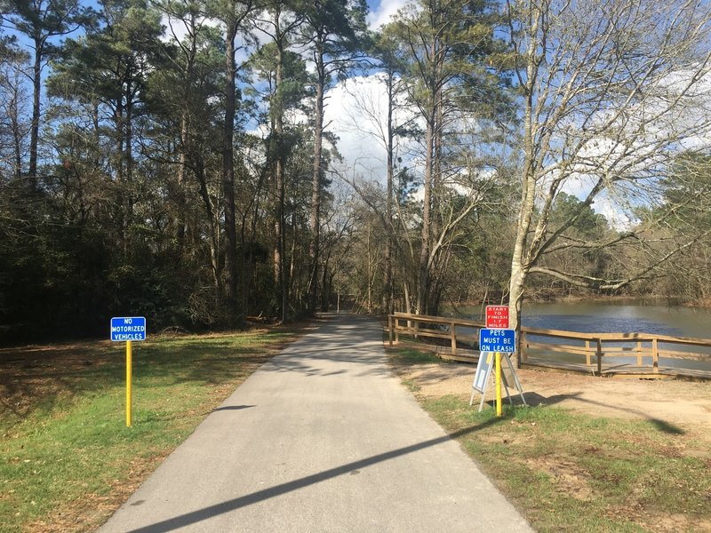 This is the start of the path that winds through the woods around the lake. This portion is 1.7 miles, and is roughly .2 miles away from where the trail ends near the entrance to the park.