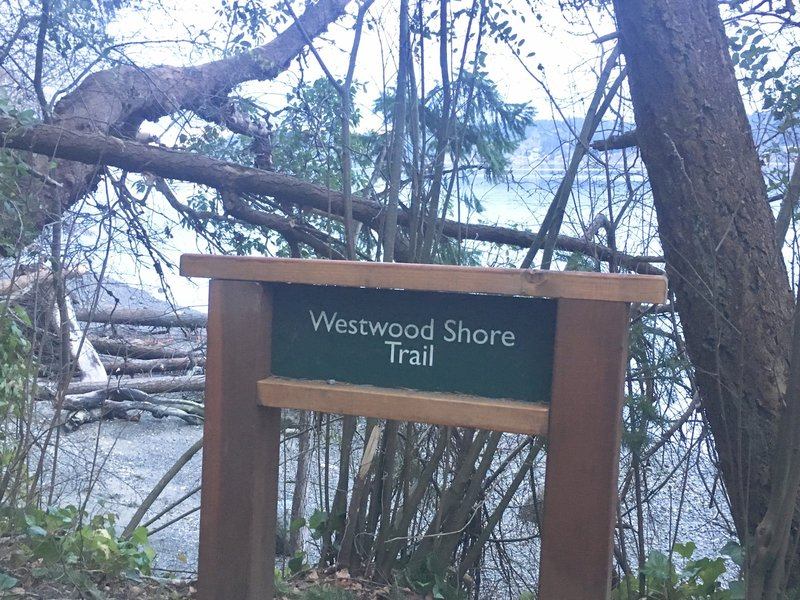 Sign for the Westwood Short Trail at the shore end of the trail