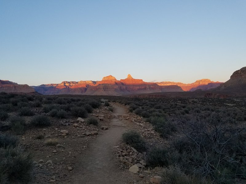 Sunset on trail to Plateau Point